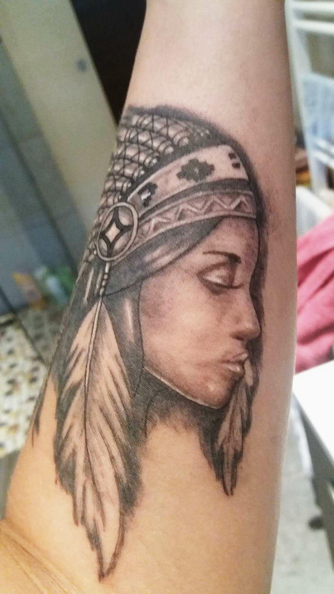 Tatouage Femme Indienne Gactatoo